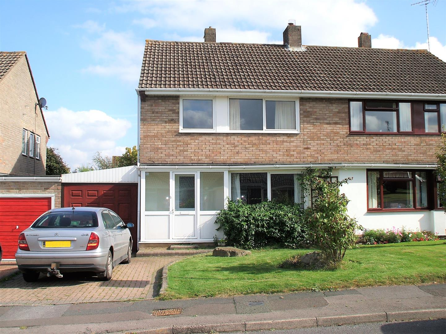 4 Bedrooms Semi Detached House for sale in Noredown Way, Royal Wootton Bassett. SN4